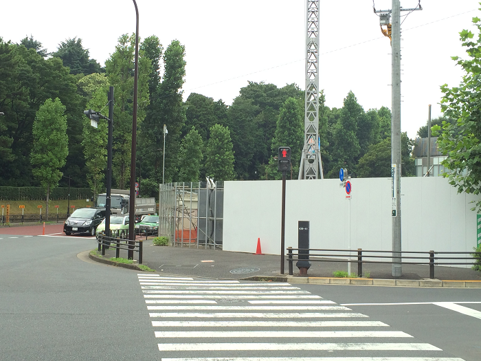 ガーデンヒルズ四ツ谷 迎賓の森_赤坂御所そばの現地周辺の様子写真_3_南元町交差点