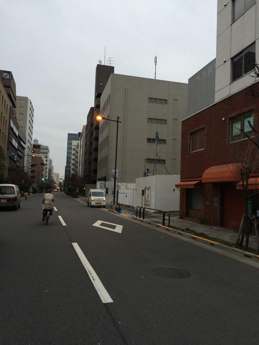 プレミスト六番町_正面道路