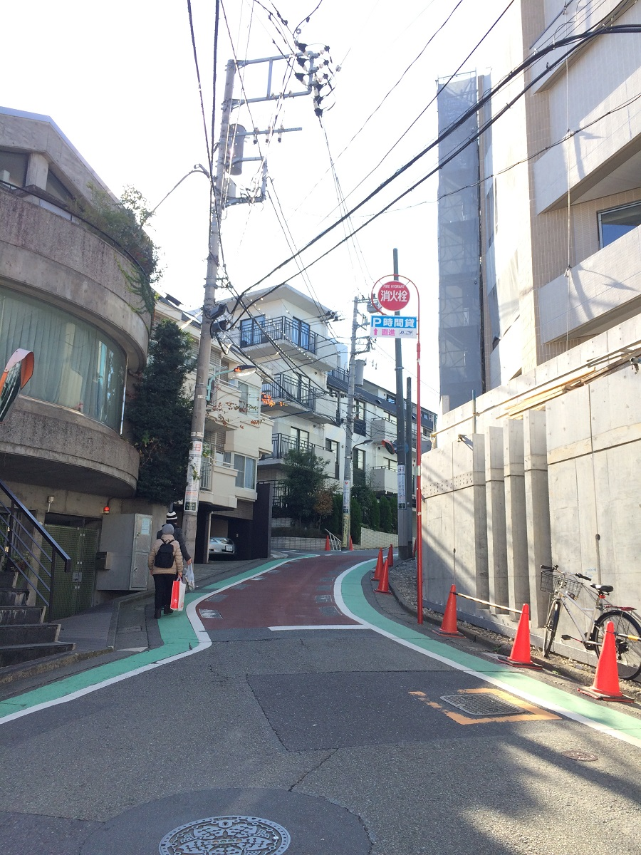 レフィール参宮橋_側面道路
