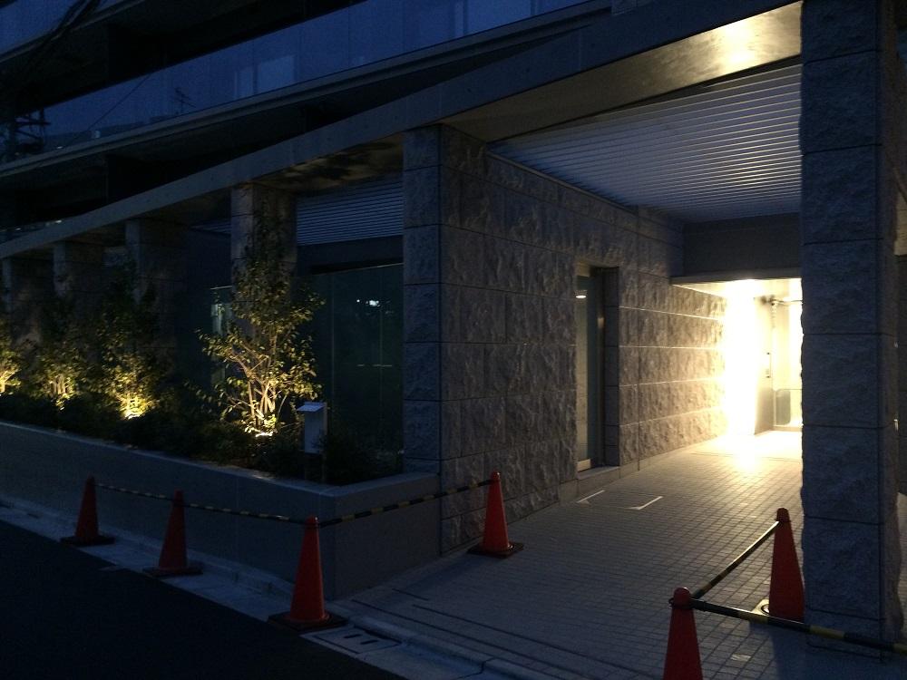 シティハウス神宮北参道の工事進捗現地画像_2016年3月_夜_エントランス
