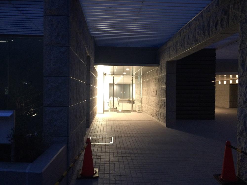 シティハウス神宮北参道の工事進捗現地画像_2016年3月_夜_エントランス2