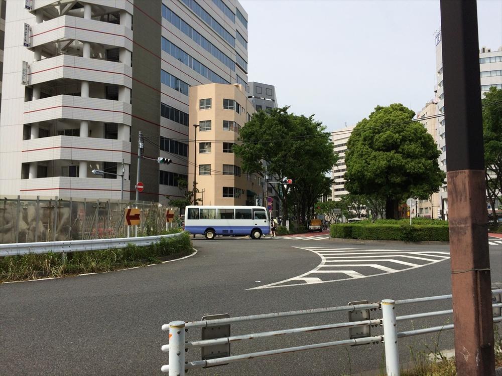 環状第5の1号線_千駄ヶ谷~新宿御苑_新宿通り方面を見る