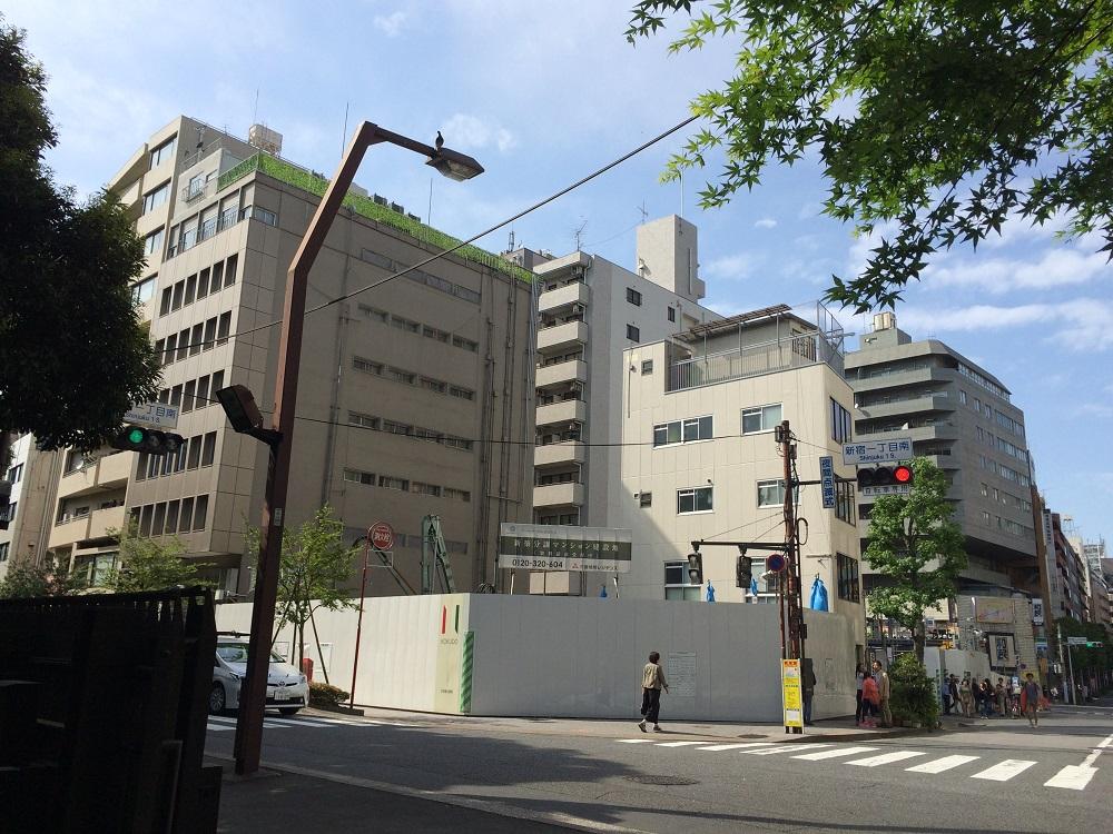 ザ・パークハウス新宿御苑_正面_2016年5月
